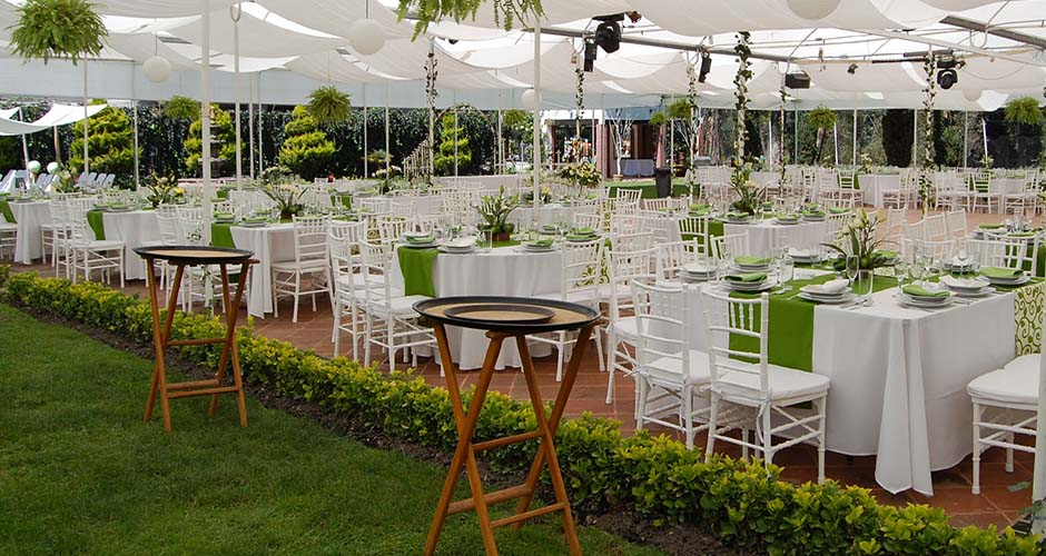 Salas lounge elite como organizar mi evento for Decoracion de jardines para fiestas